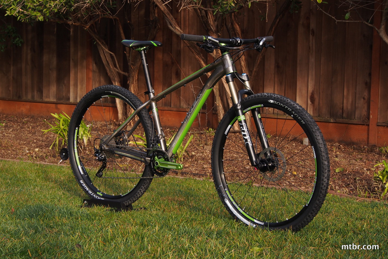 Trek Stache 8 Front Side View