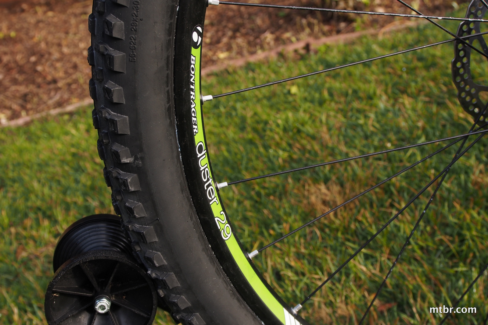 Trek Stache 8 Bontrager Duster Wheels