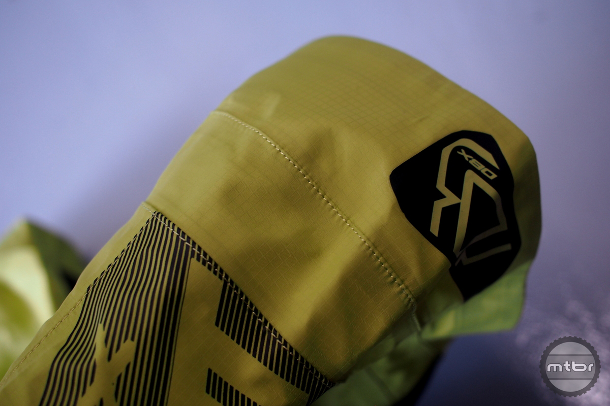 The knee area of the DBX 5.0 is 3d shaped to hang up less with a knee pad.
