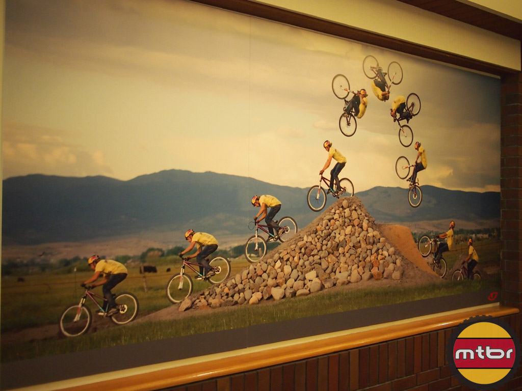 Mountain bike DJ banner