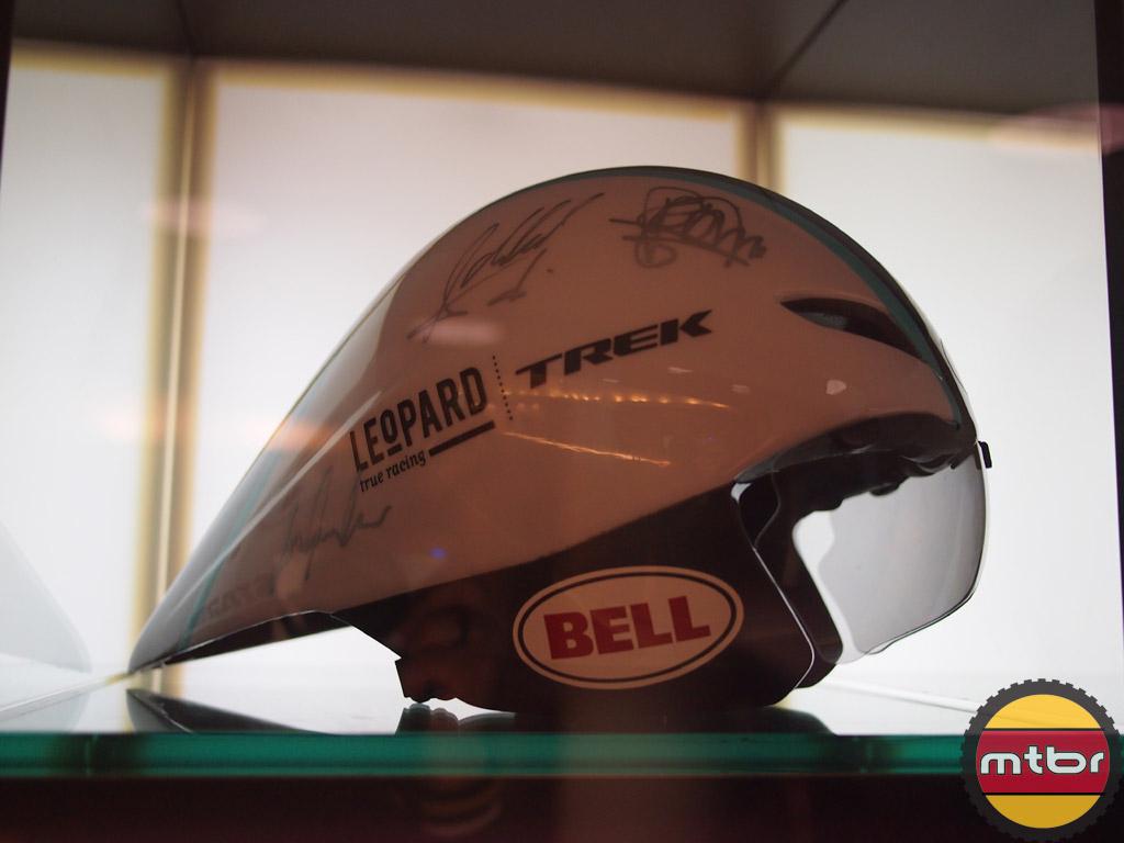 Team Leopard Trek TT helmet - Bell Javelin