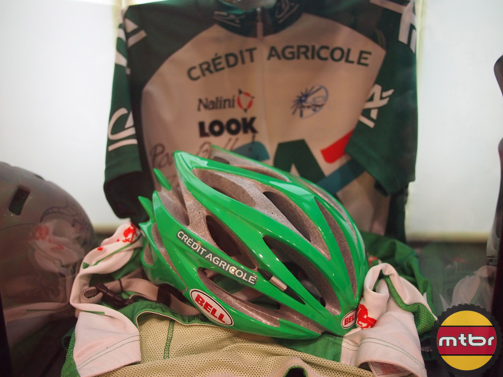 Credit Agricole Bell Sweep team helmet