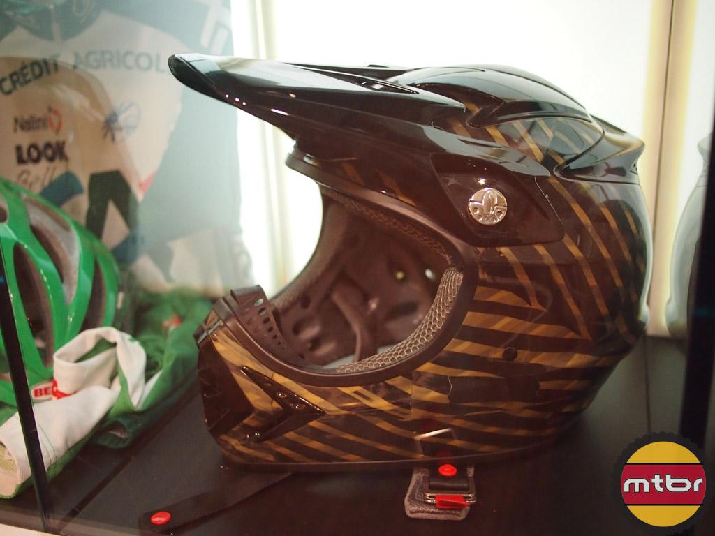Bell Moto 8 full face helmet