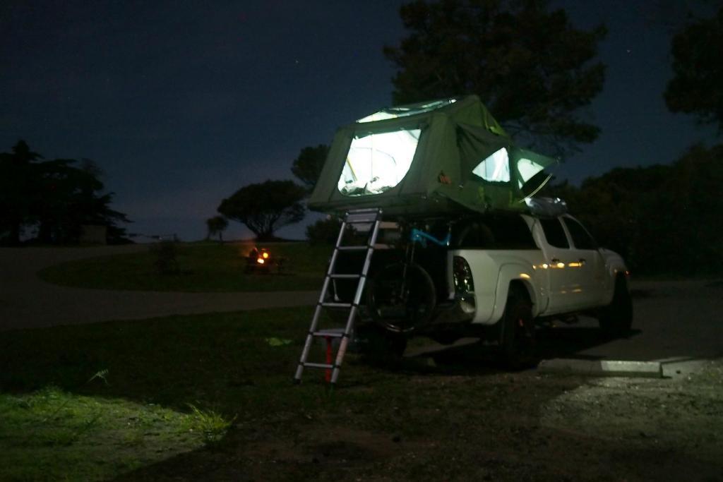 Rooftop tents-p3080009.jpg