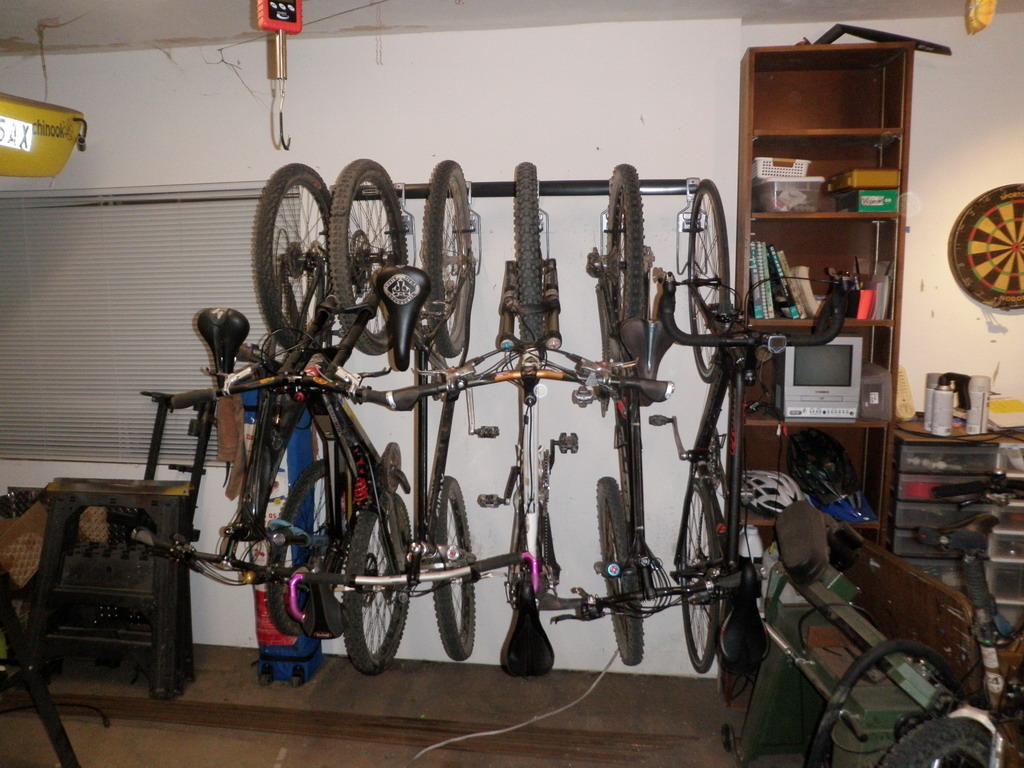 Garage Racks-p3230114_resize.jpg