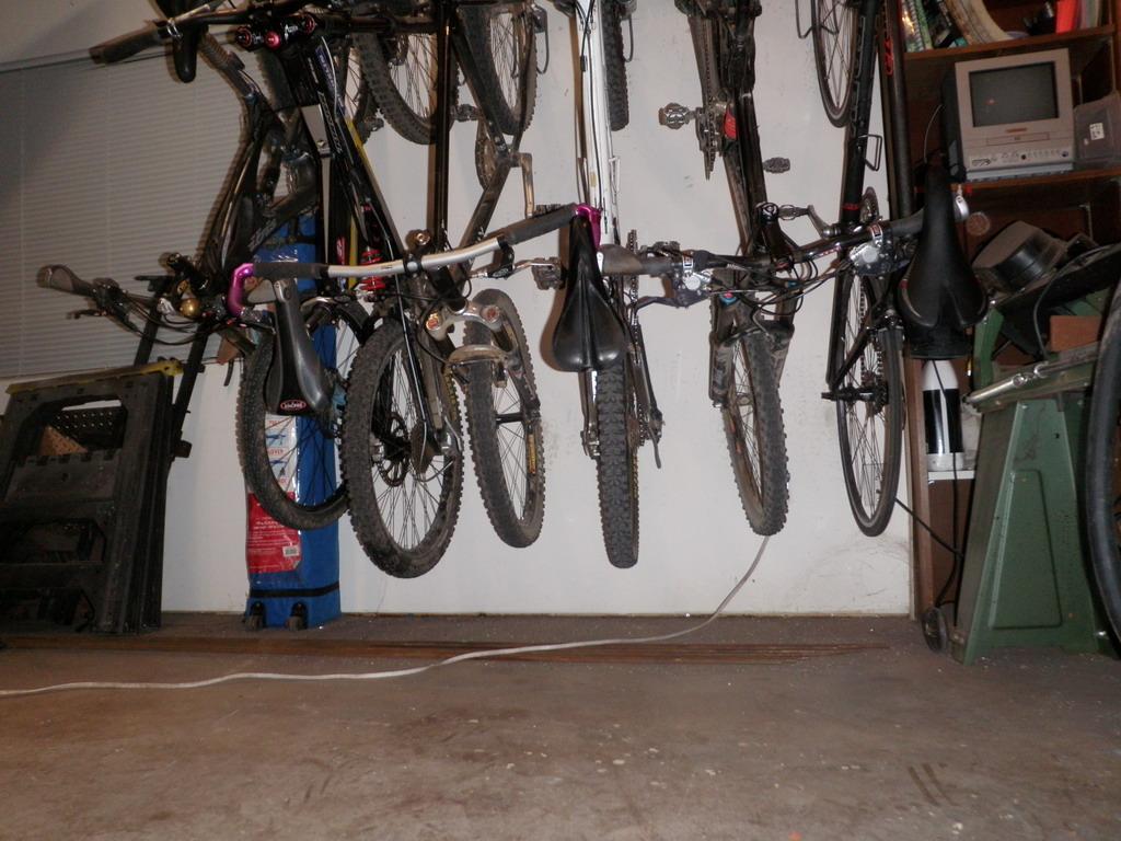 Garage Racks-p3230116_resize.jpg