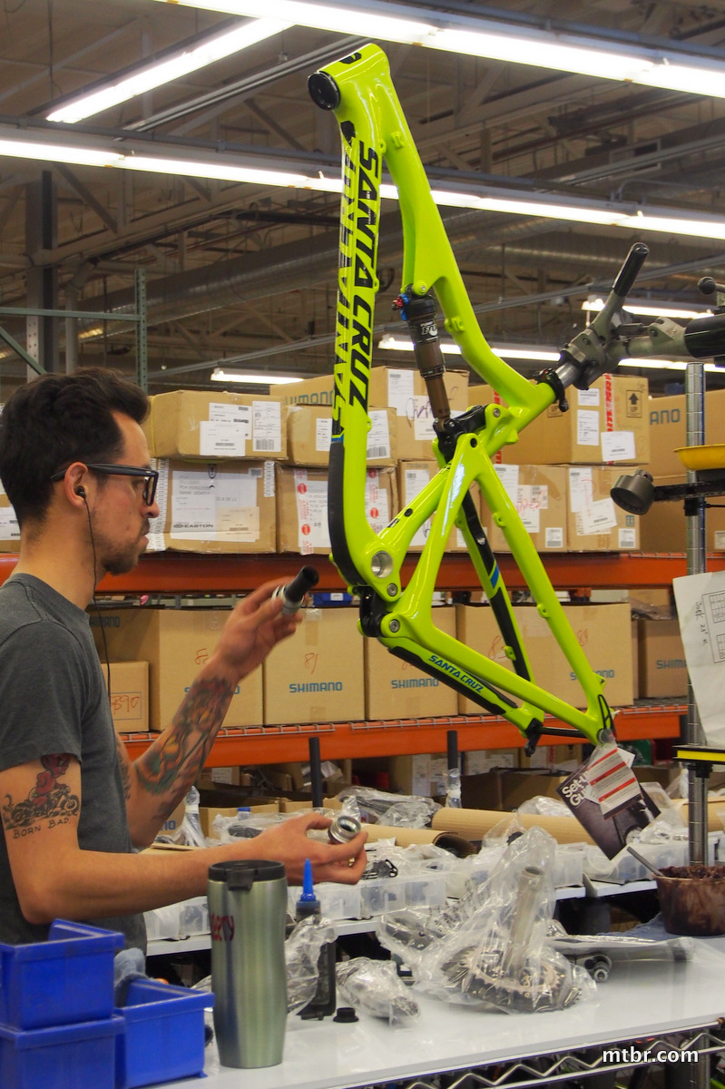 Santa Cruz Bronson Carbon Assembly of Green Frame