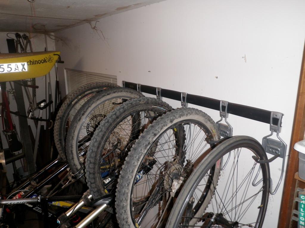 Garage Racks-p4090119_resize.jpg