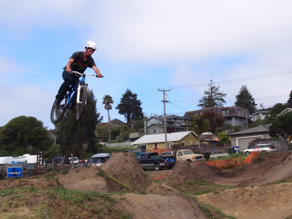 4th Annual Santa Cruz Mountain Bike Festival in Aptos - Apri 13-14!-p4130017.jpg