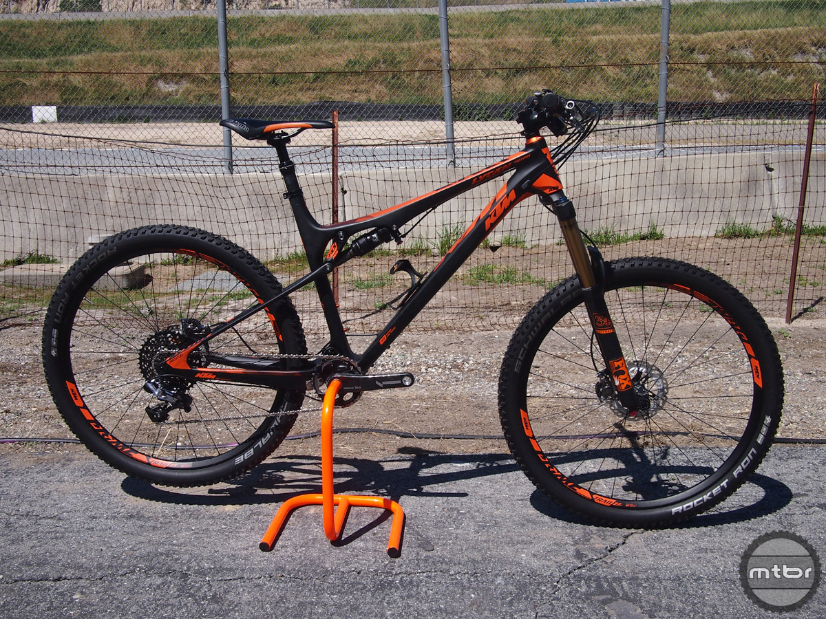 The Lycan 27 Prestige is the top-of-the-line full carbon model and retails for $9,195.