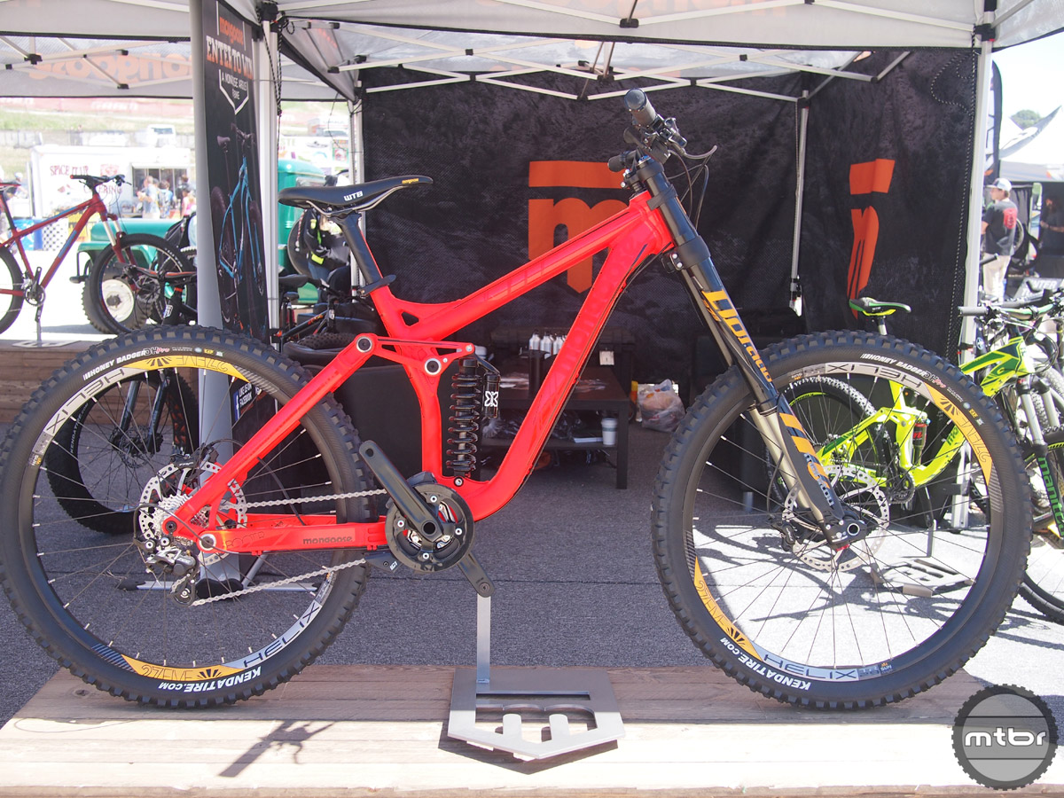 The Boot'R offers the beginner DH racer a lot of value for its $2699 price tag including a Manitou Dorado Expert fork.