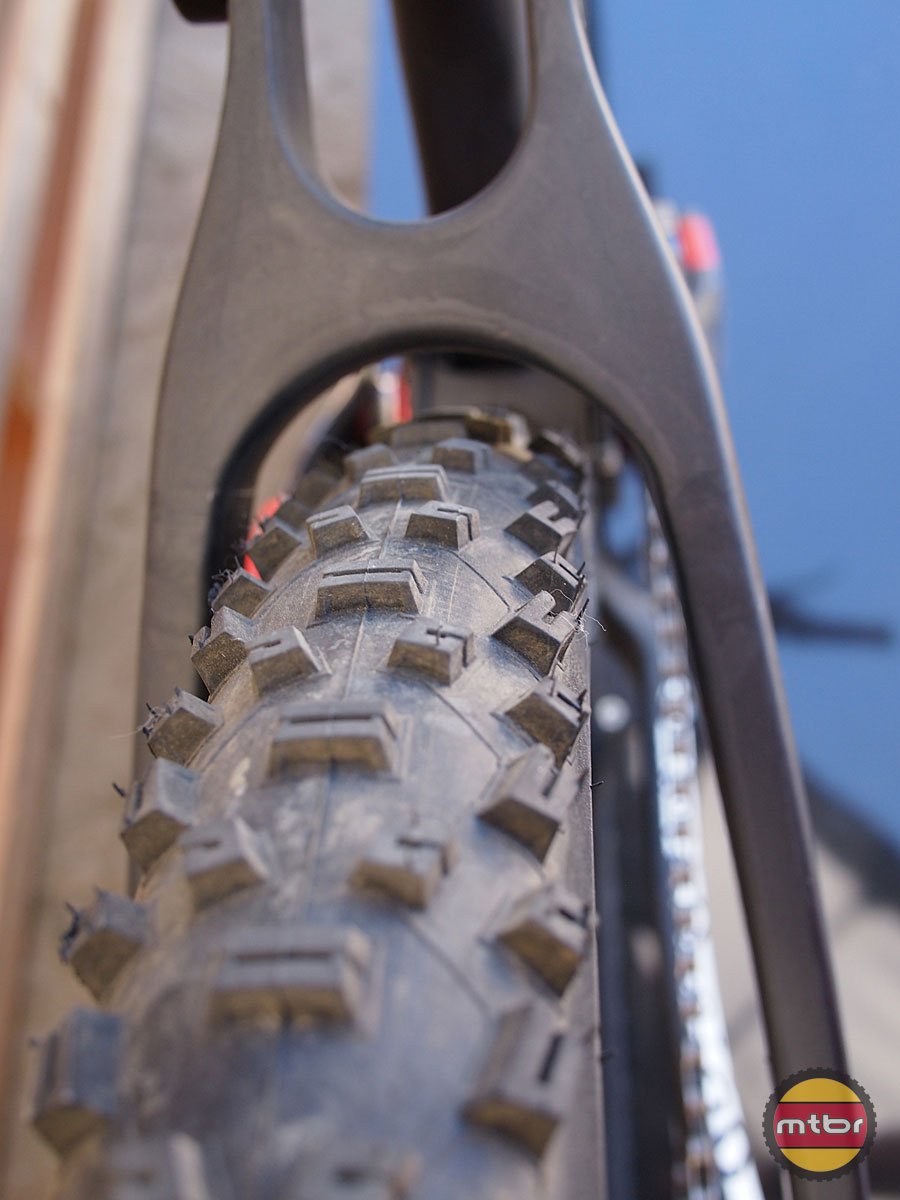 Schwalbe Nobby Nic 650b Tires