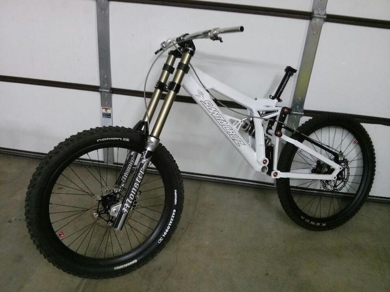 Old School DH bikes-p4pb10738380.jpg