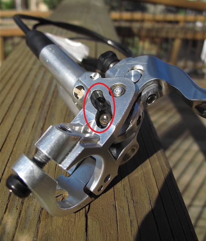 shimano BR-M8120 vs BR-M8020 shimanos new 4 piston brake set-p4pb5447205.jpg