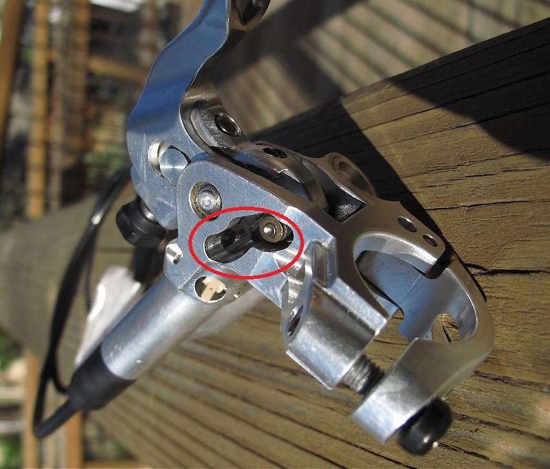 shimano BR-M8120 vs BR-M8020 shimanos new 4 piston brake set-p4pb54472051.jpg