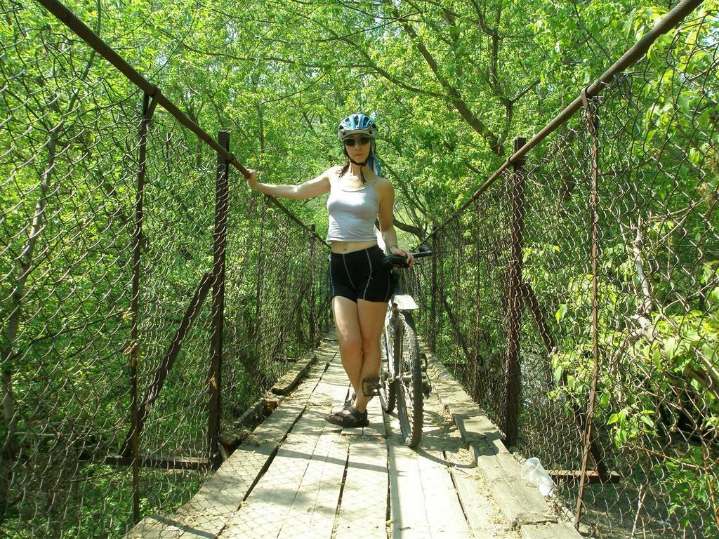 bike +  bridge pics-p5084861-large-.jpg