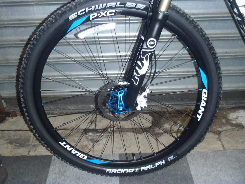 Just picked up my new giant xtc composite 29er 0 !!!-p5090329.jpg