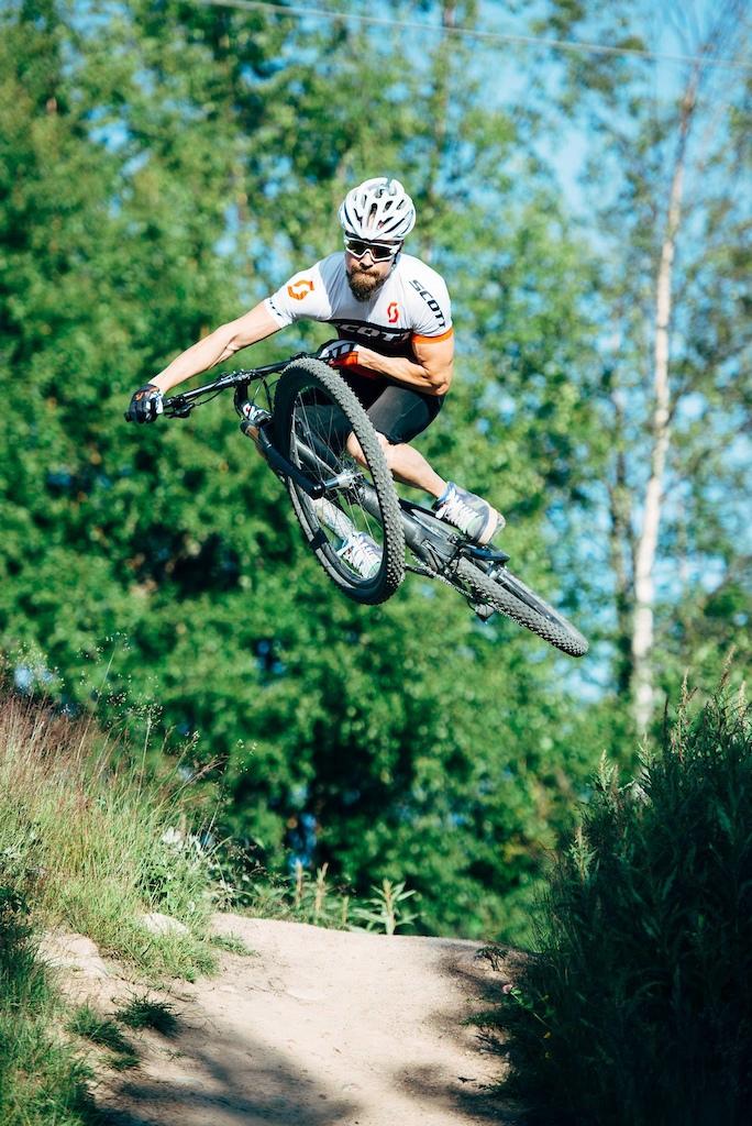Post your light-weight bikes!-p5pb14941274.jpg