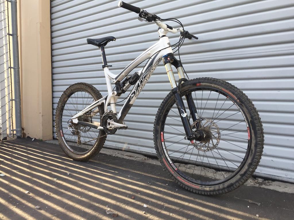 2011 Santa Cruz Nomad Carbon-p5pb15627676.jpg