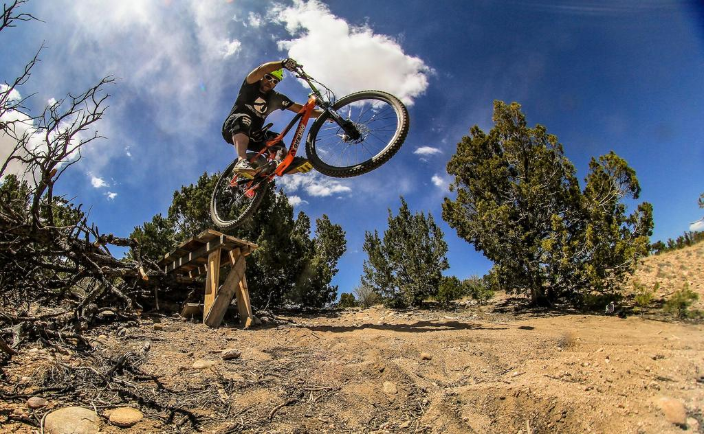 Your BEST Airborne bike photos - let's see them!-p5pb9513505.jpg