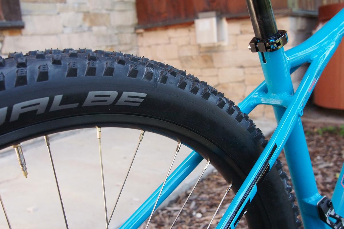 GT Pantera tire is a very effective Schwalbe Rocket Ron 2.8.