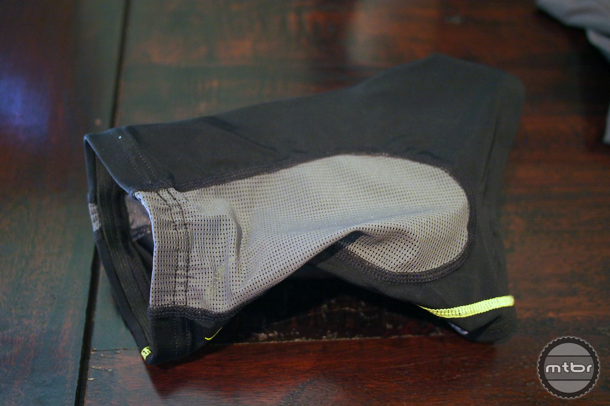 Back mesh provides great fit and ventilation.