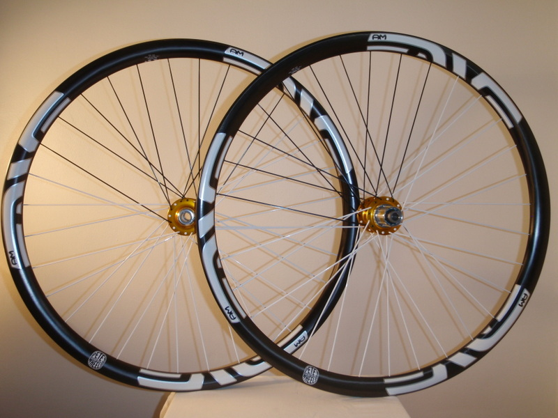 Lets see some blinged out wheelsets..I9,CK,Hope..anything goes!-p7181246.jpg