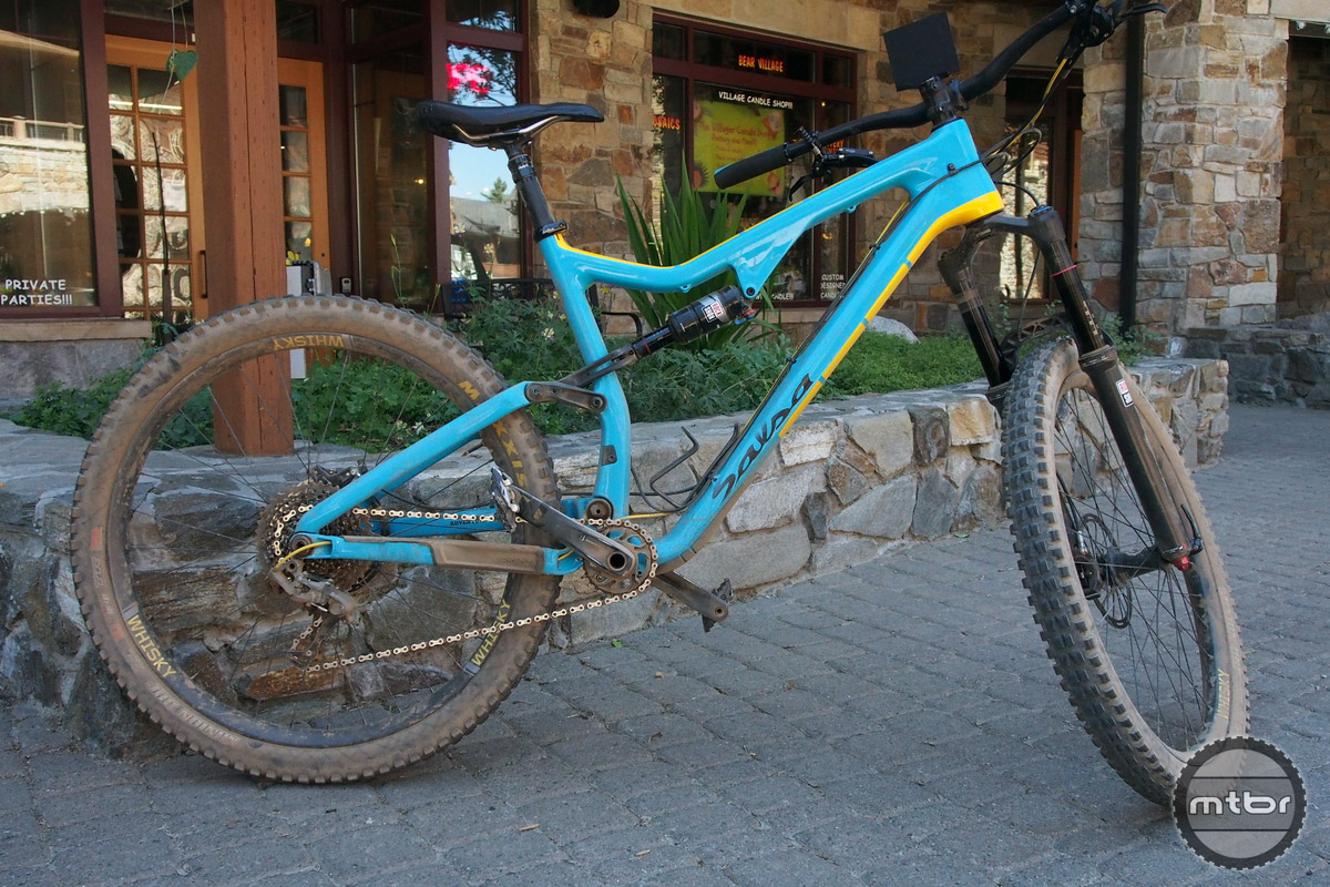 With huge tire clearance, this bike can be outfitted with 26er wheels with 3.0 tires as well. 26er Plus may be a 'thing' for those who think other Plus tires are too big.