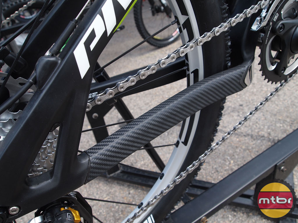 Pivot Cycles Mach 5.7 Carbon