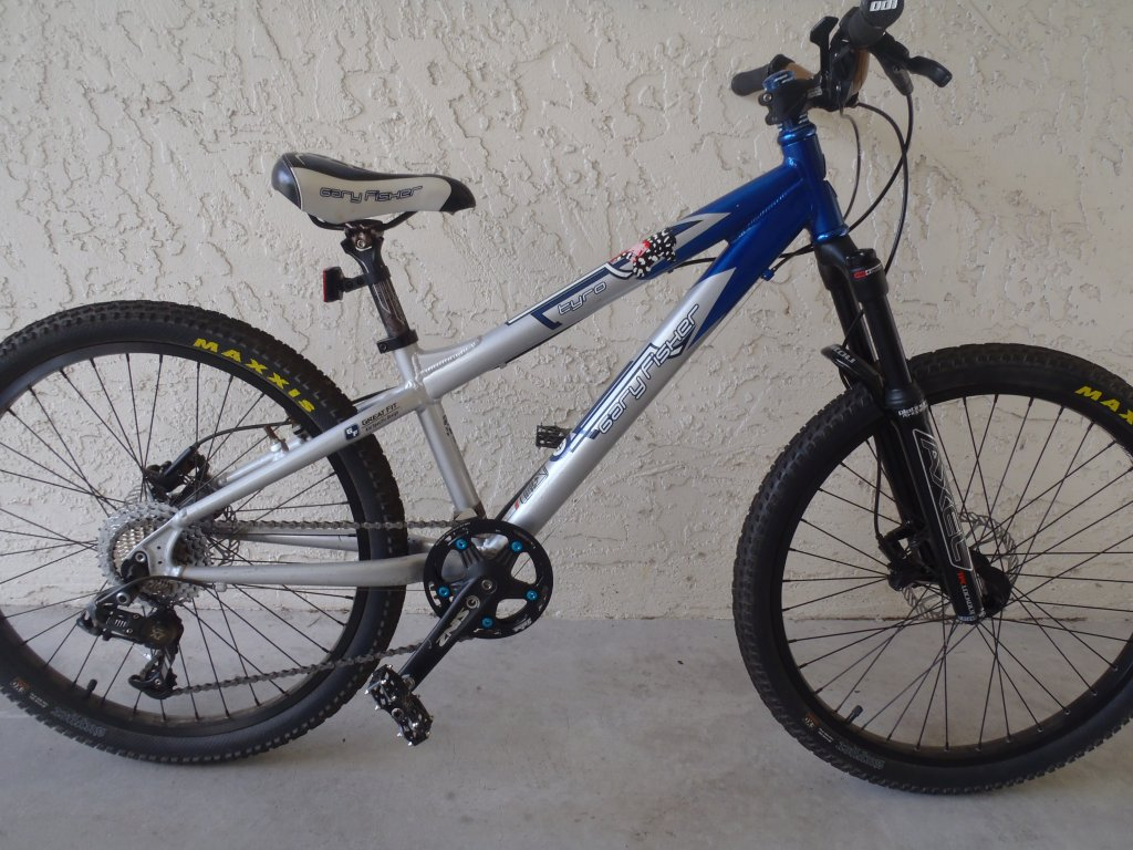 "Anyone try 26"" fork running 24"" wheel with brake post extenders-p8020381.jpg"