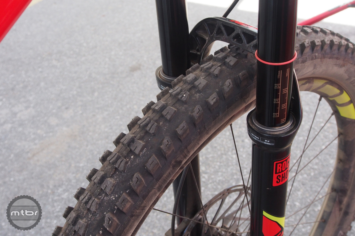 The Lyric fork has 170mm of front travel.