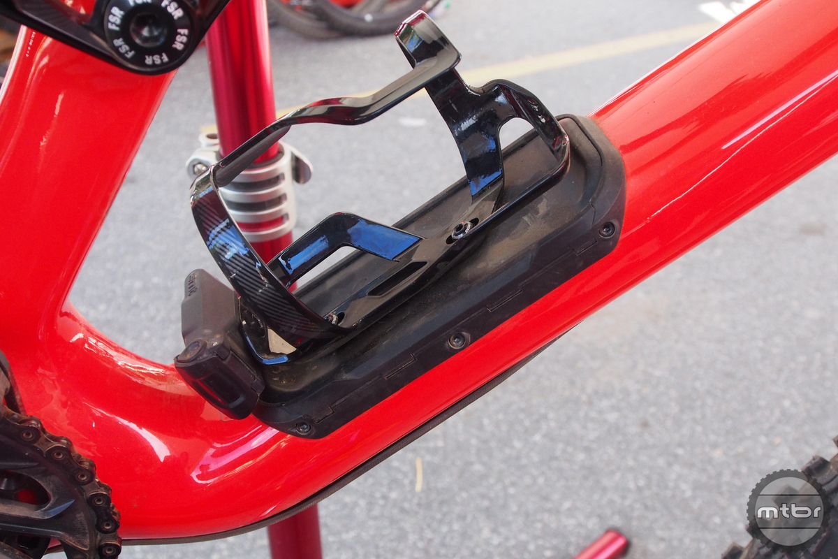 The new Enduro now includes the SWAT storage compartment in the carbon downtube.