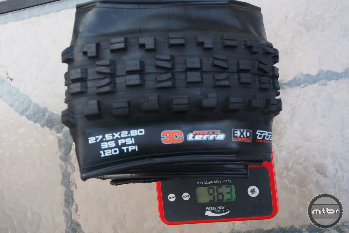 Minion DHF weight is 963 grams.