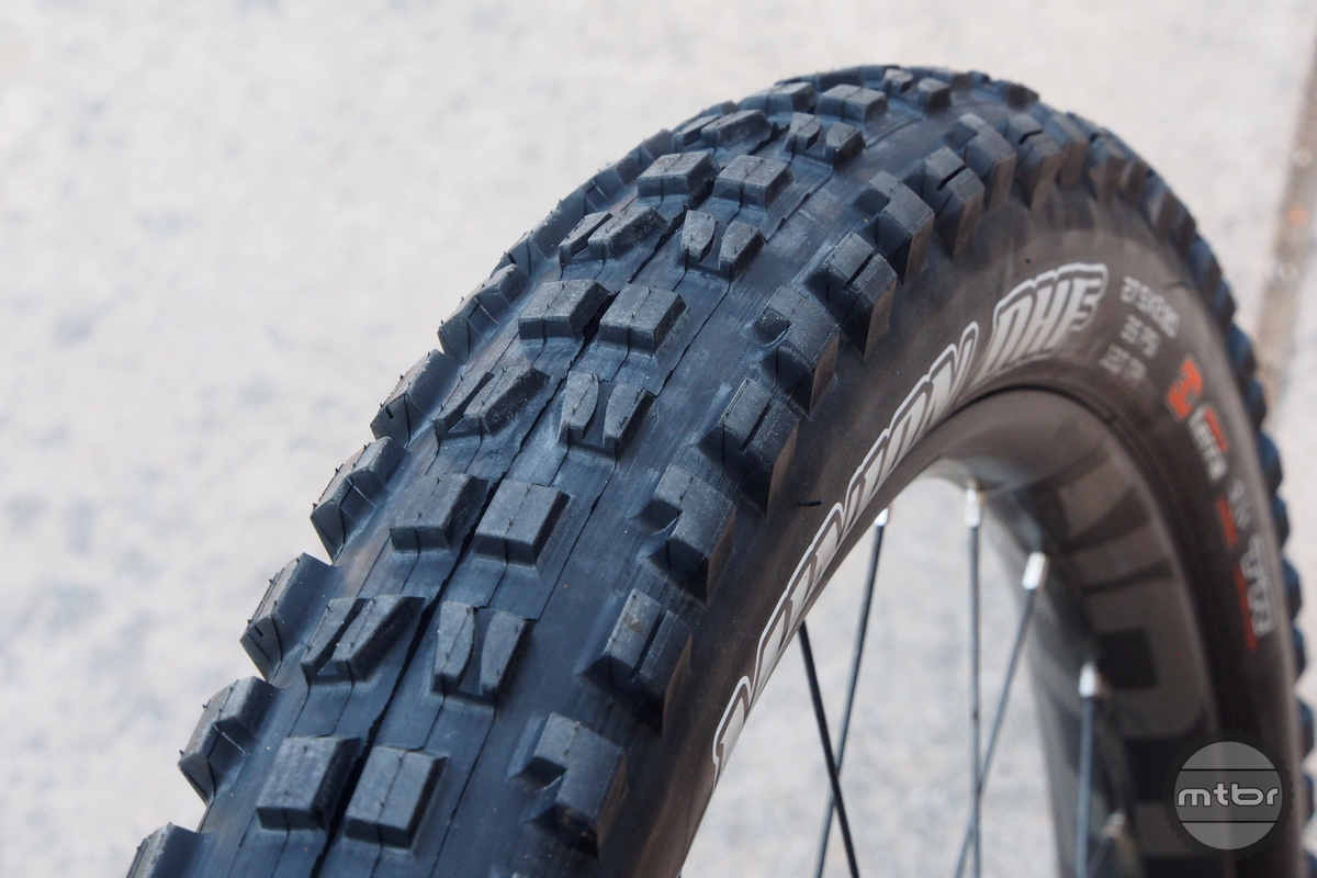 The Minion DHF profile is seen here with a 40mm internal rim.