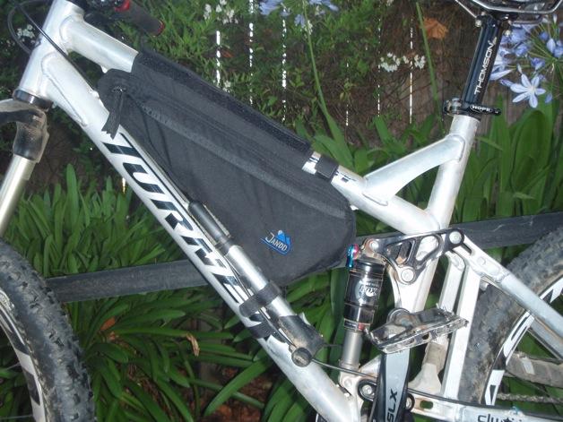 Hydration Bladder in a frame bag?-p8270065.jpg