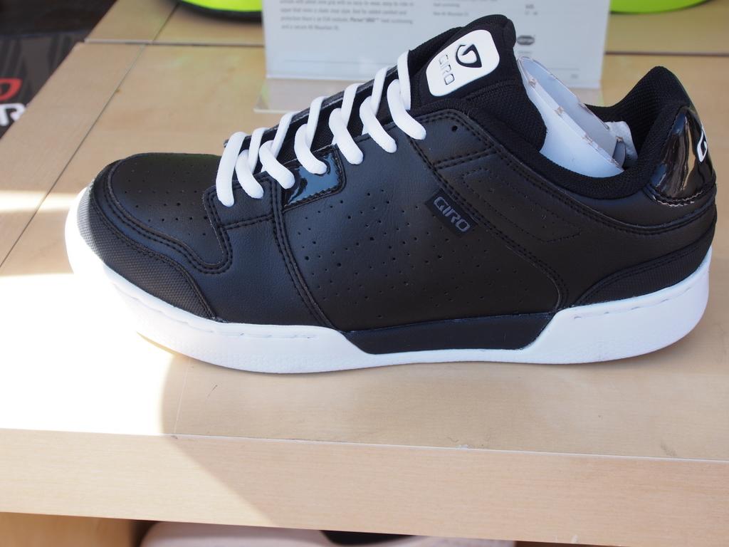 Giro Jacket Flat Pedal Shoe
