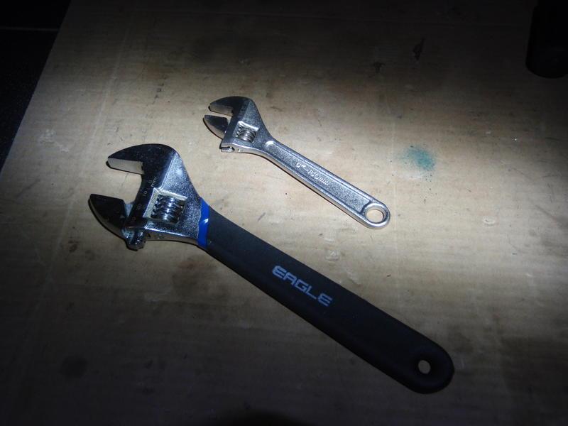 Bent brake tab-p9180138_small.jpg