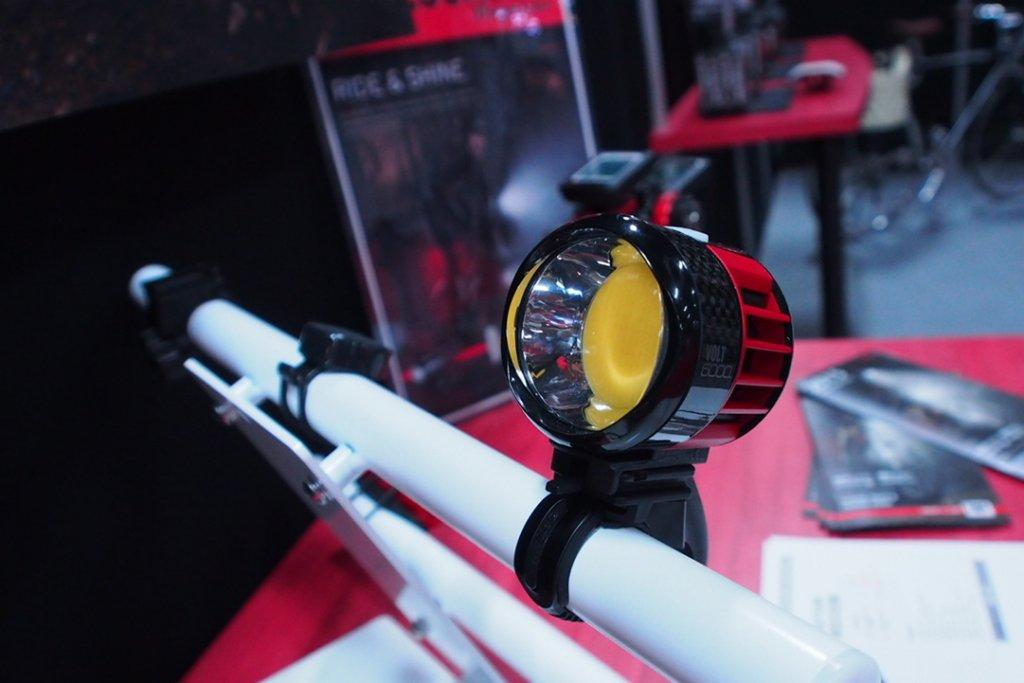 Cateye Volt 6000 lumen - bright and cool-p9180180.jpg