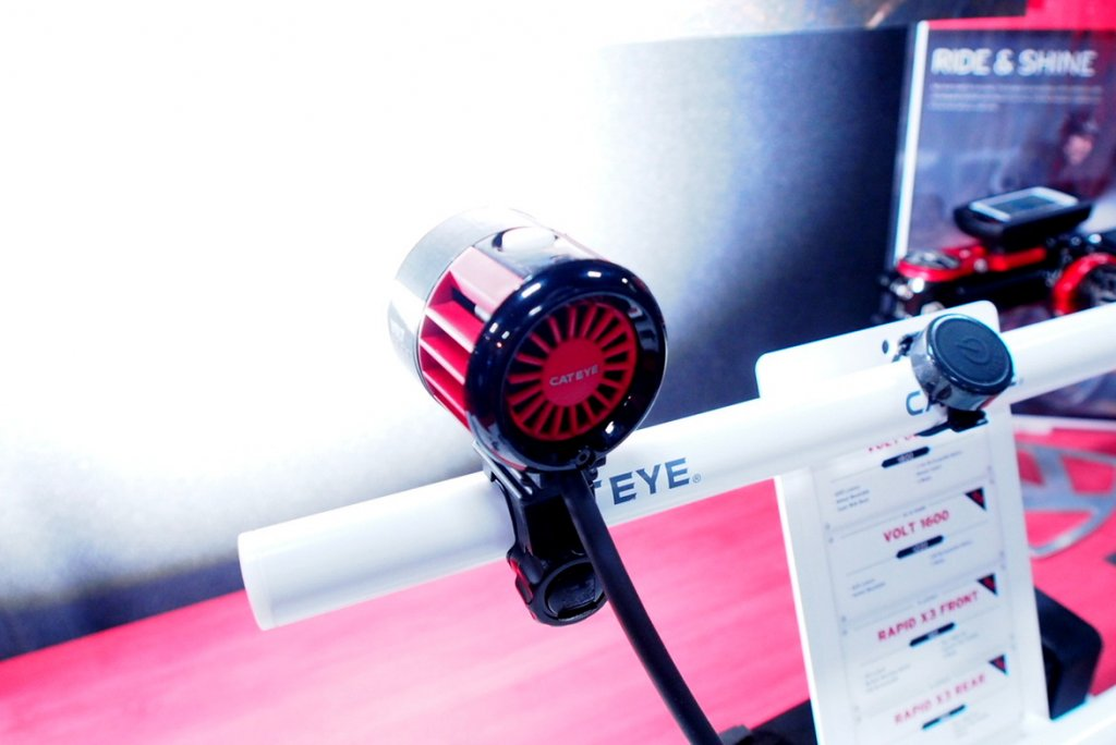 Cateye Volt 6000 lumen - bright and cool-p9180182.jpg