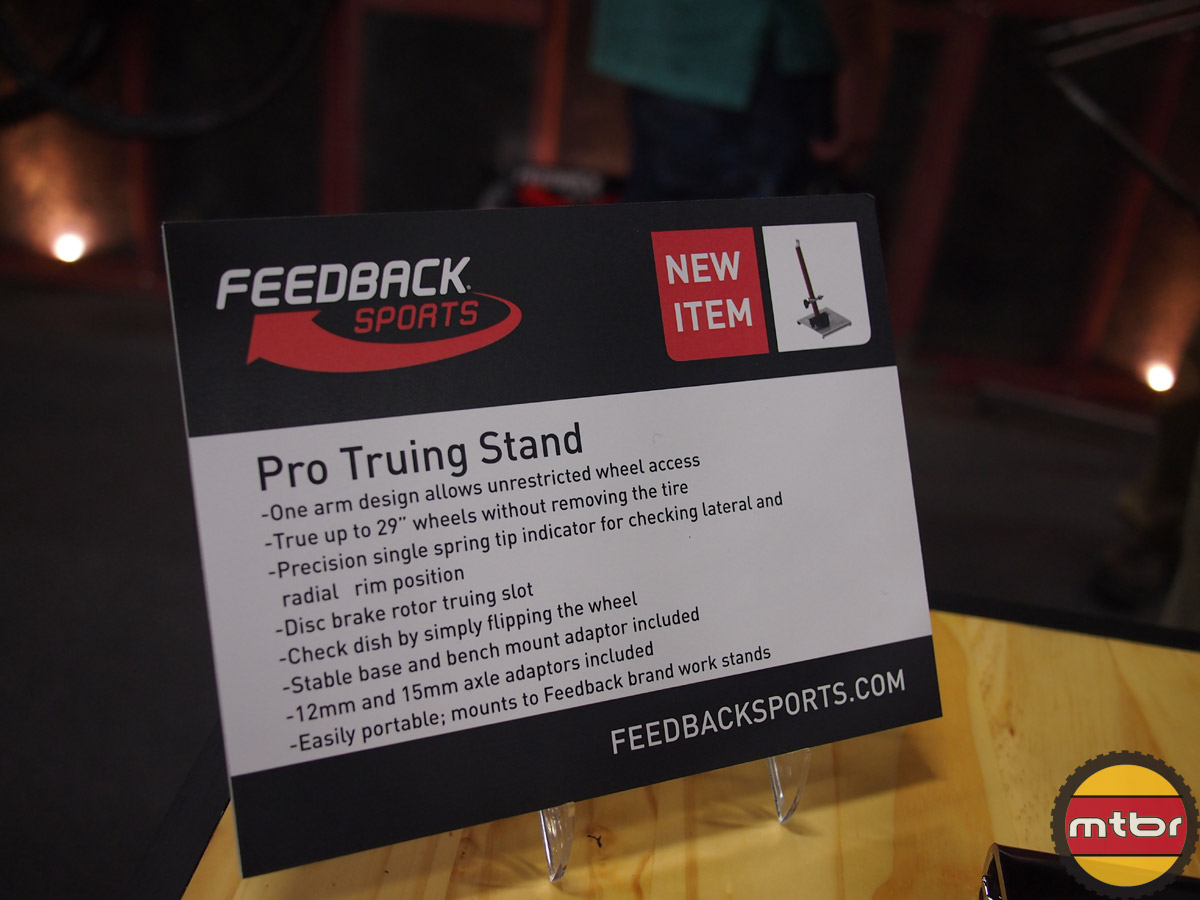 Feedback Sports - Pro Truing Stand