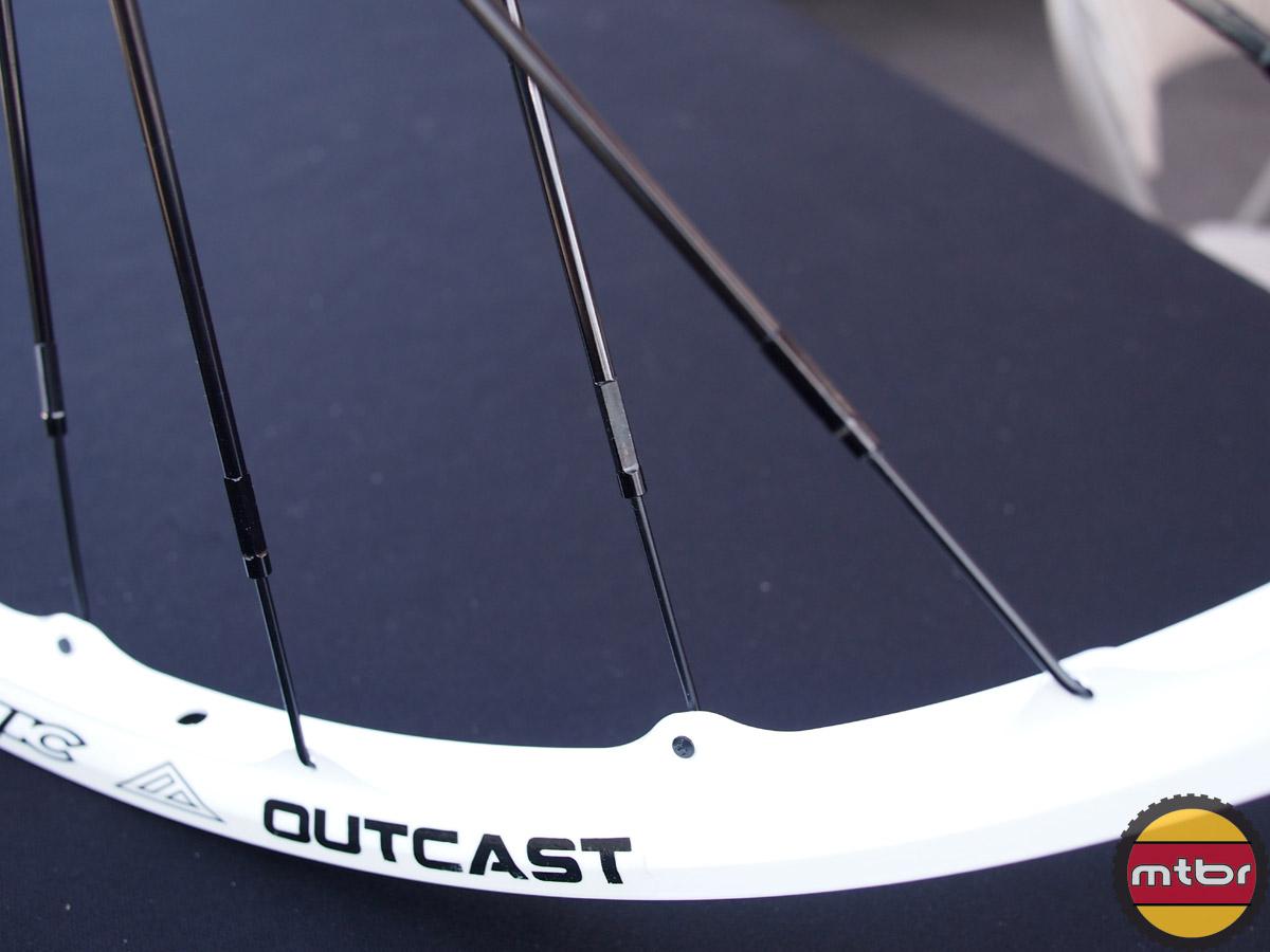 Azonic Outcast 26 MTB Wheelset - spokes