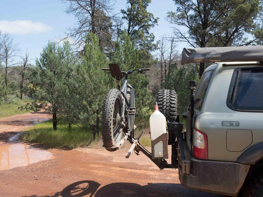Hitch mounted bike rack for fat bikes-p9220137.jpg