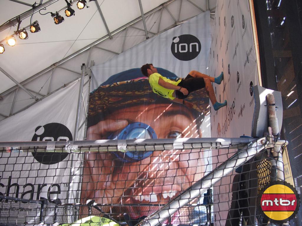 iON Air Pro 2 - trampoline jumper