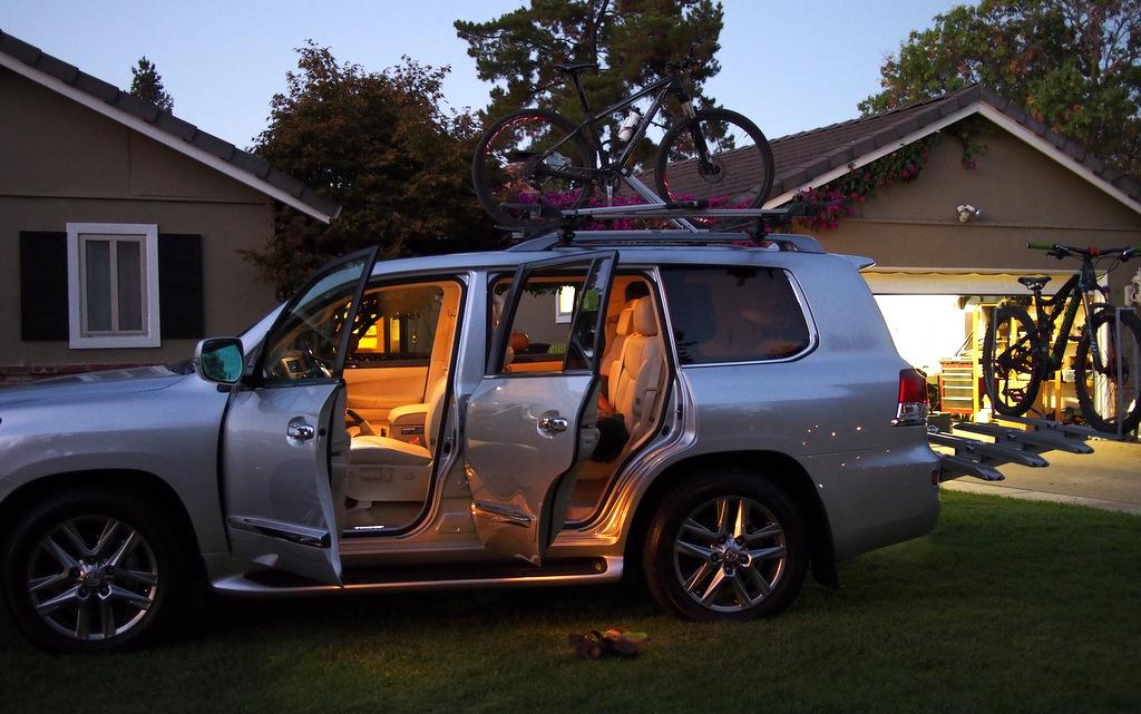 Road Trip: 7 dudes + Bikes, on car-pa160138-001.jpg