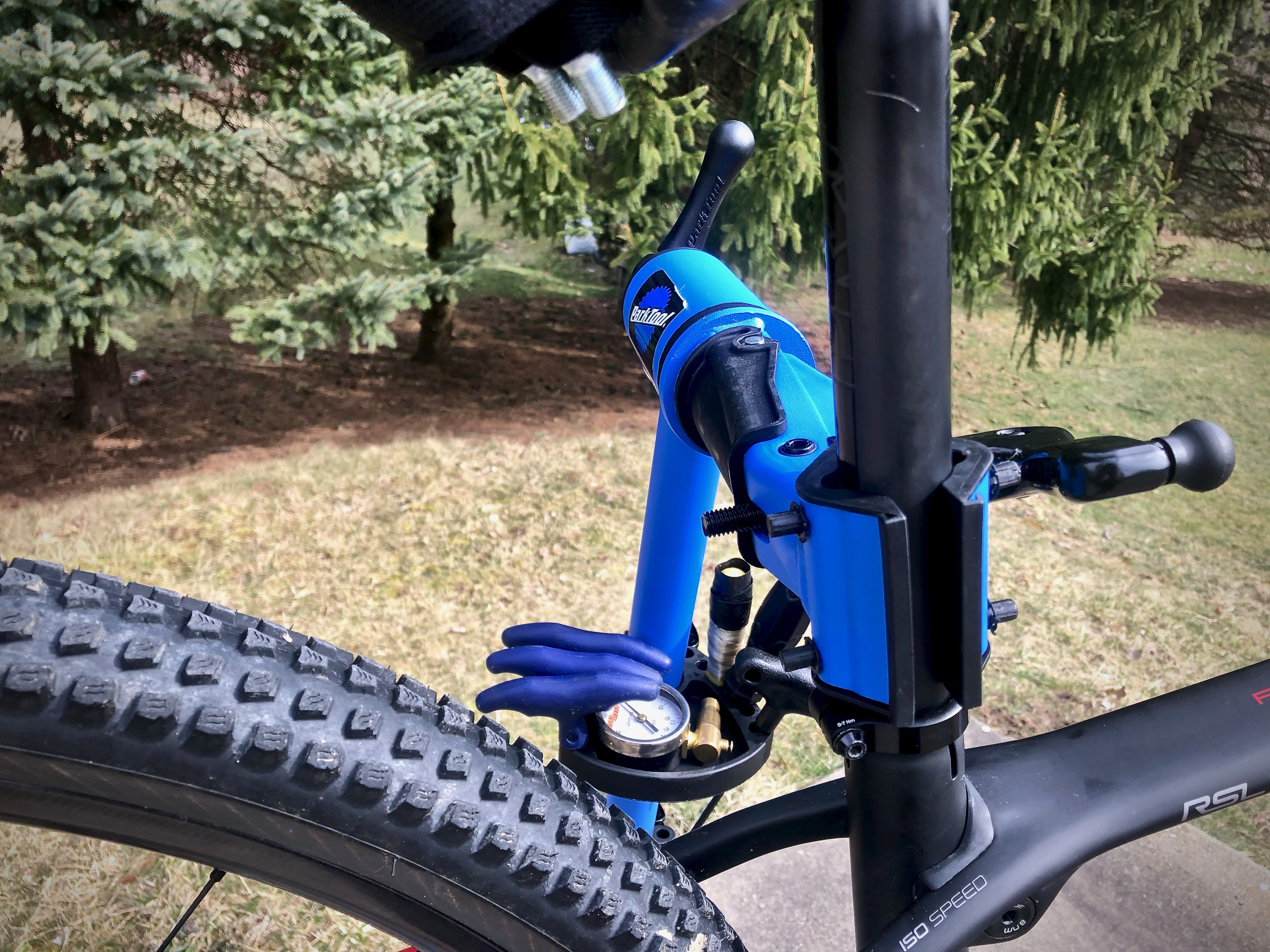 Park Tool PCS 10.2 Deluxe Home Mechanic Workstand Review