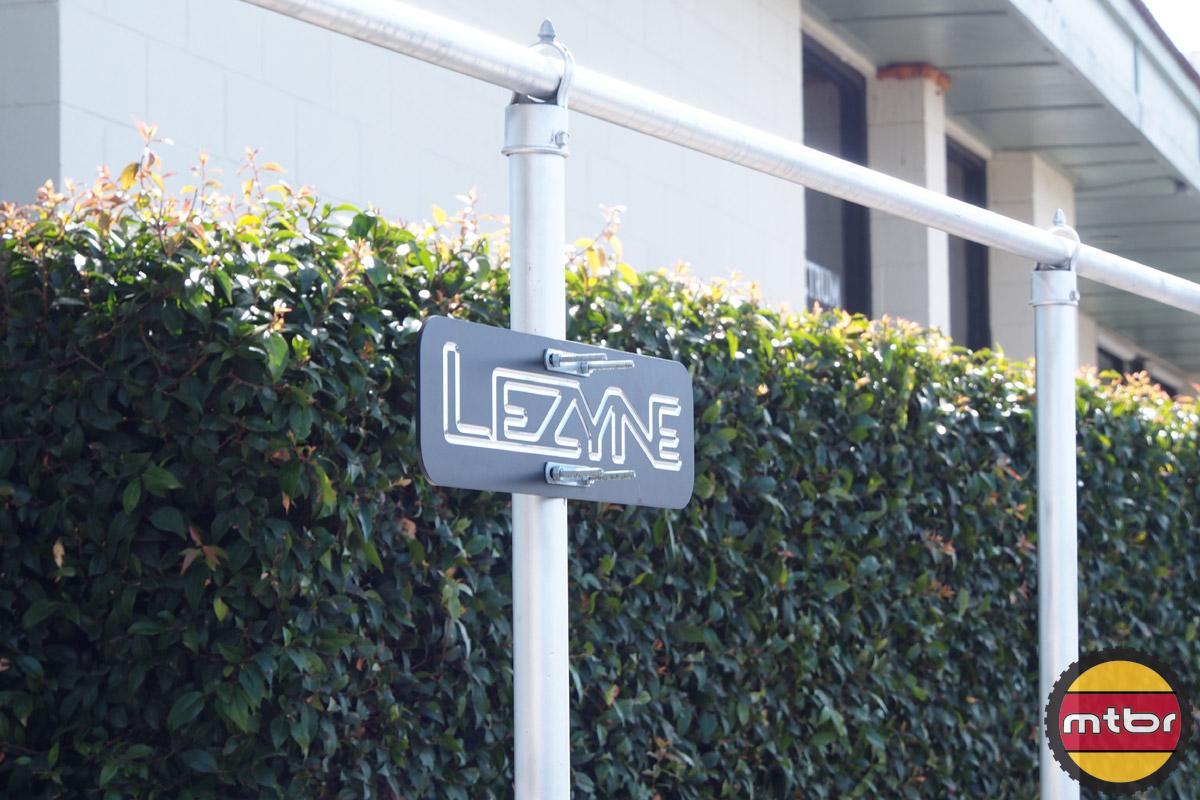 Lezyne sign