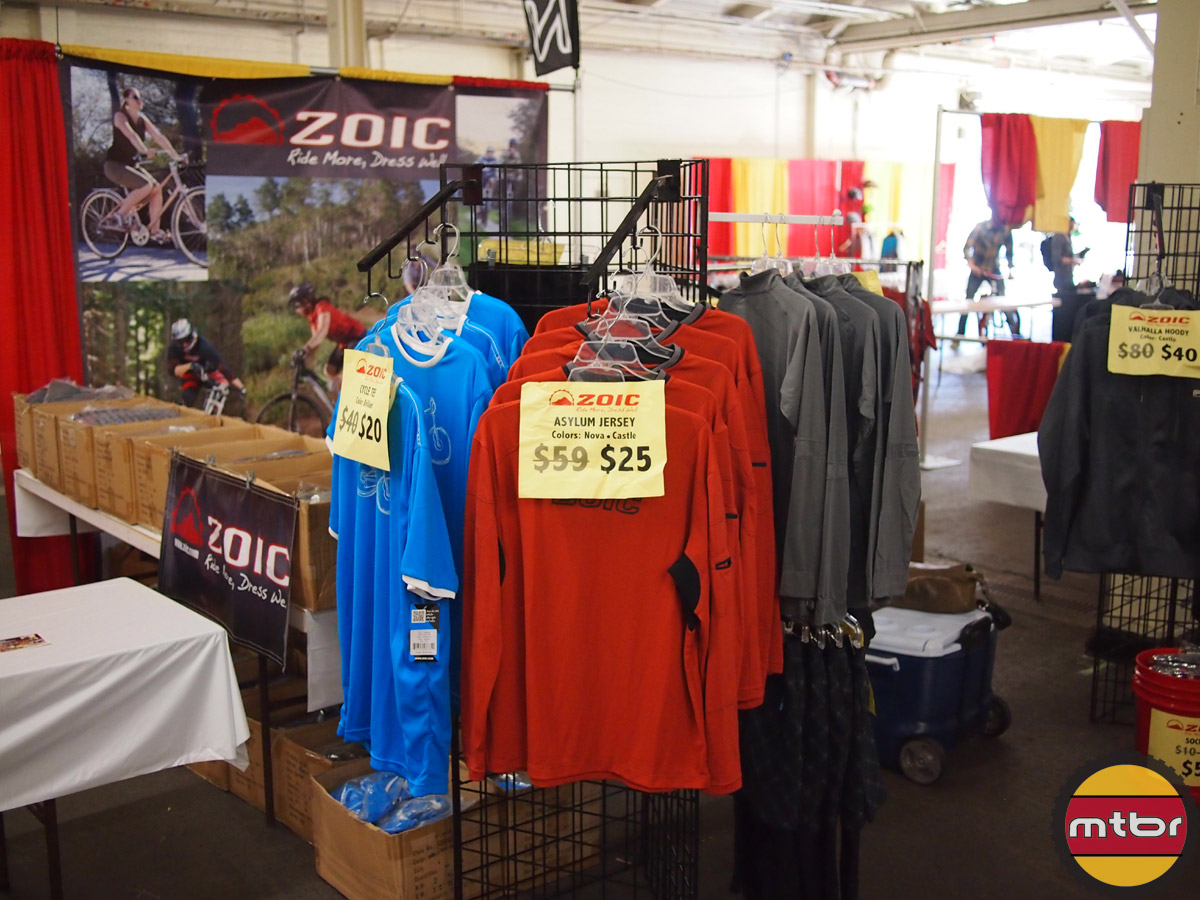 Zoic cycling apparel