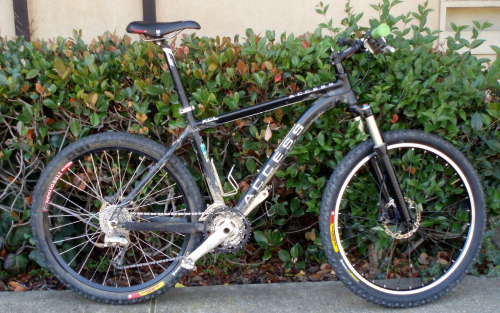 More stolen bikes - black Access XCL & Scott Speedster roadbike-pb120039.jpg