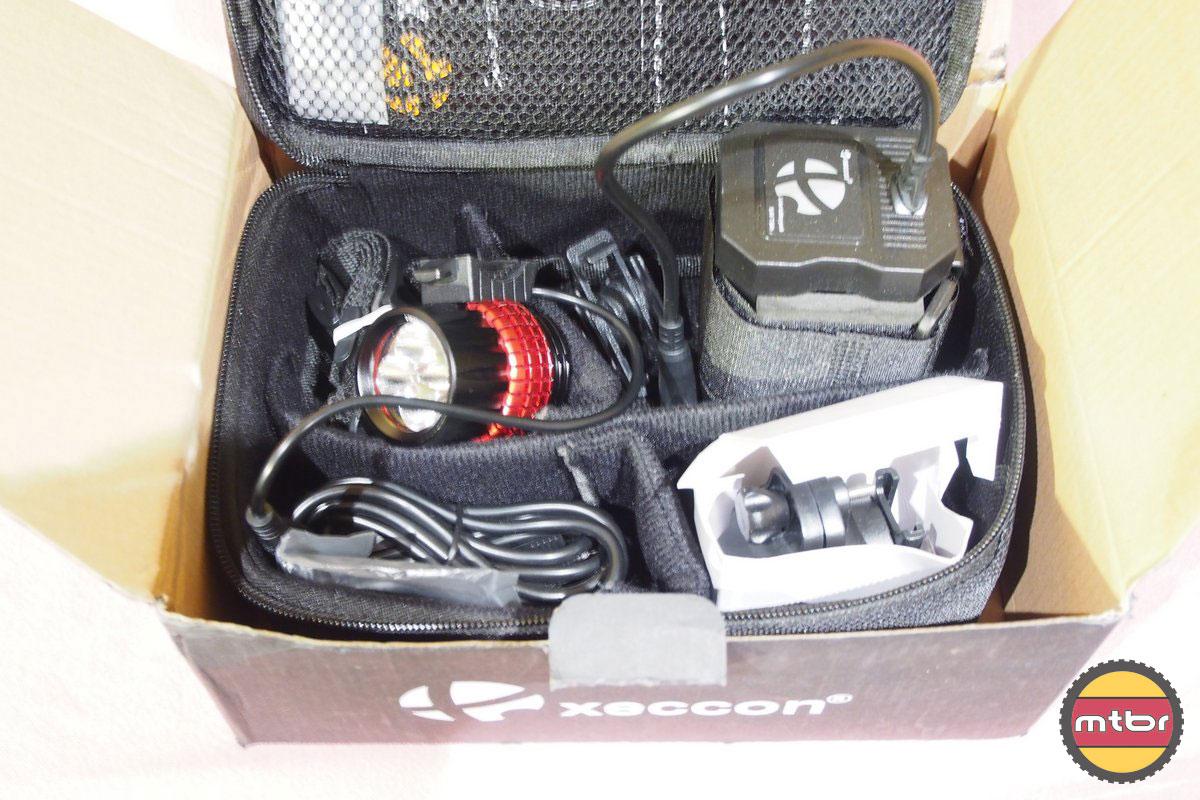 Xeccon Spiker 1210 Box Conetents