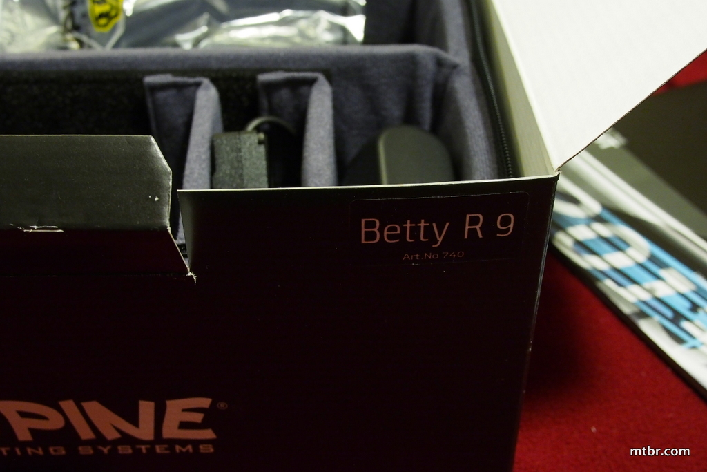 Lupine Betty R 9 Box